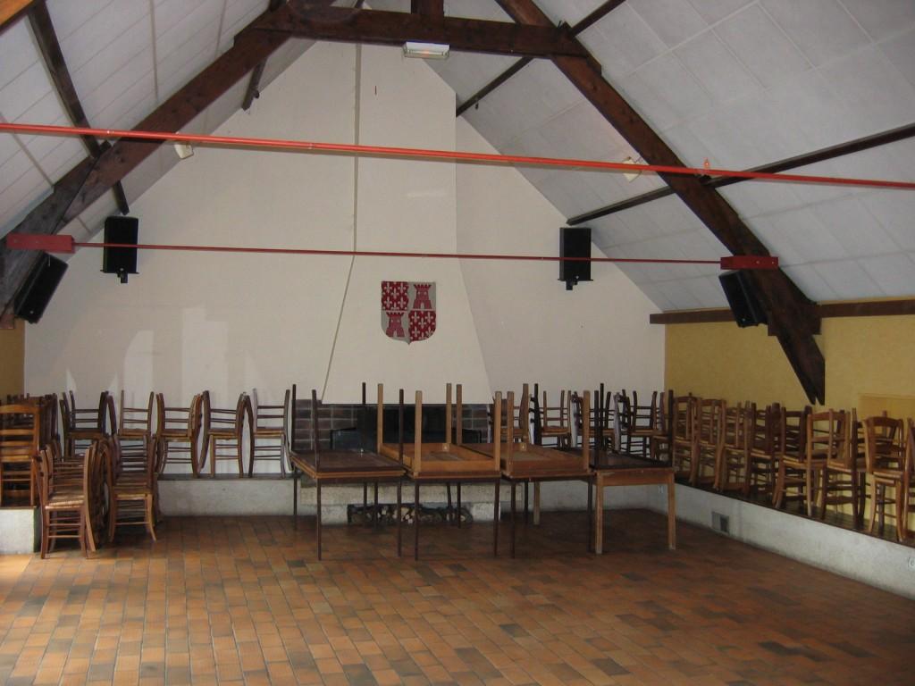 Salle communale au foyer rural de Chérence
